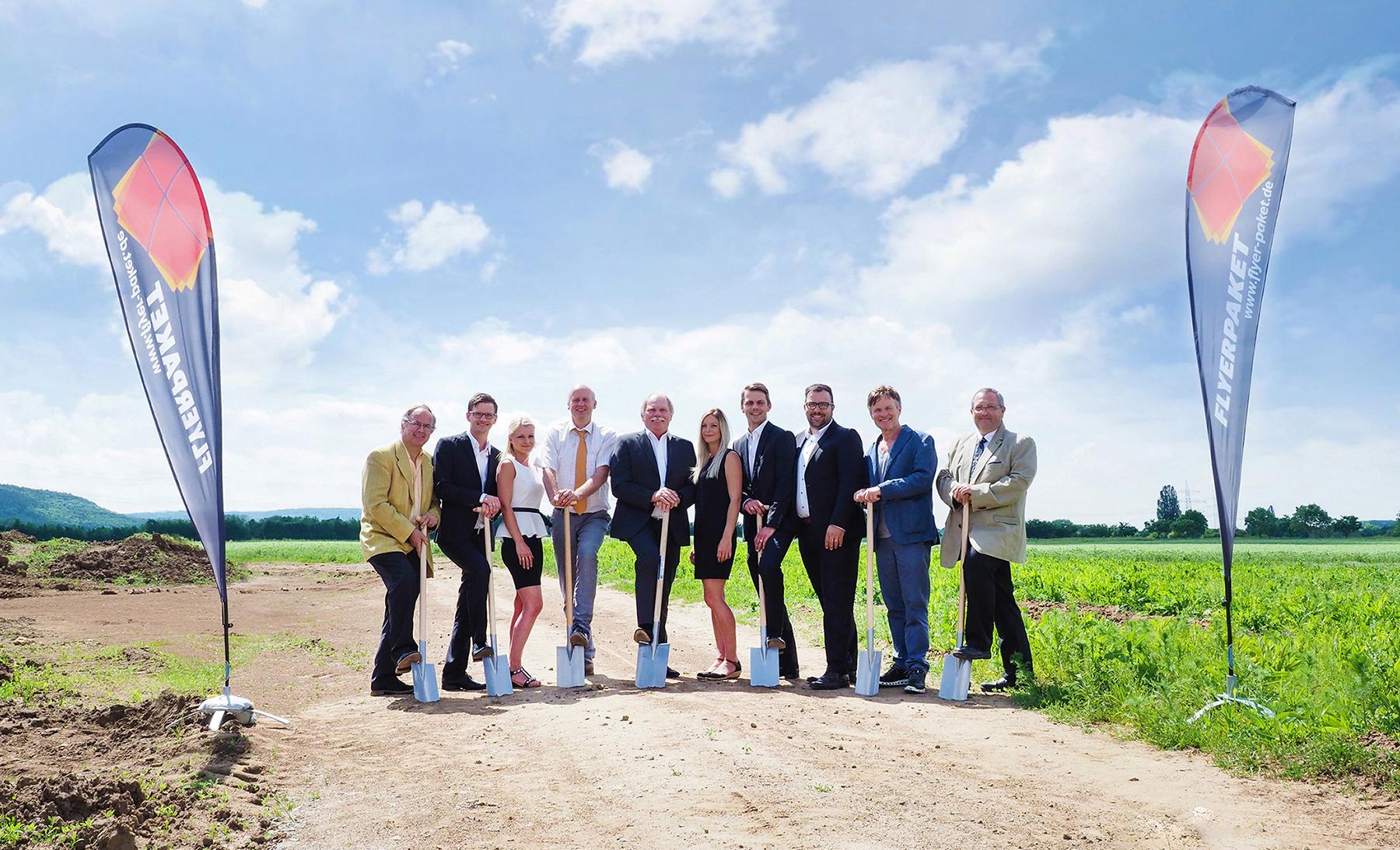 Spatenstich in Knetzgau für das neue Produktionsgebäude der Firma Flyerpaket GmbH