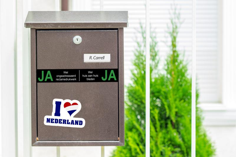 Ja-Ja Aufkleber an Briefkästen in den Niederlanden